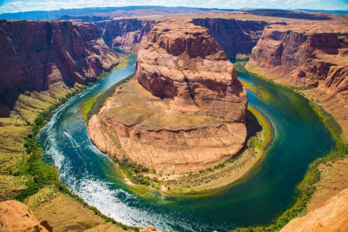 hidden-gem-of-the-grand-canyon-horseshoe-bend-1