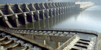John_Day_Dam_fish_ladder